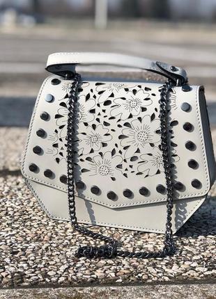 Красивая сумочка из новой коллекции