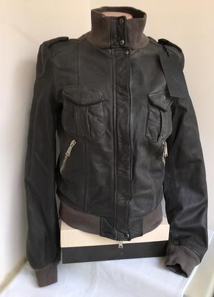 Куртка бомбер кожаная 100% кожа на утеплителе john richmond, s/36 размер.