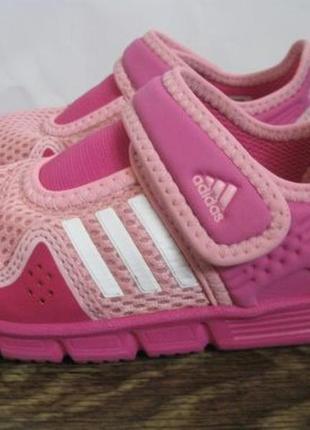 Закрытые босоножки (сандалии)  adidas р.24 оригинал.2