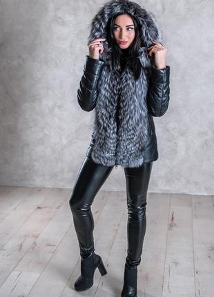 Новинка меховая куртка чернобурка и кожа с капюшоном, шубка с чернобуркой и кожа, жилетка