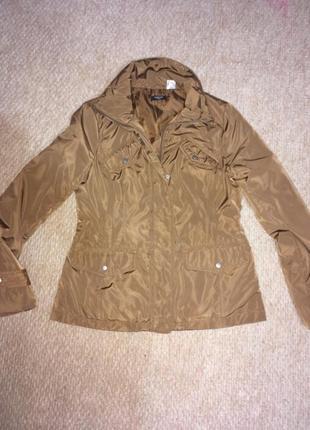 Идеальная куртка,приятный цвет!)