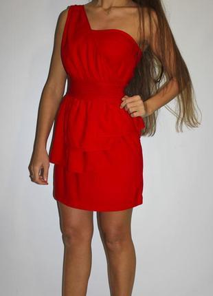 Красное платье на одно плечо - есть бирка ( срочная уценка товара )