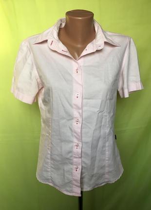 Розовая рубашка на короткий рукав