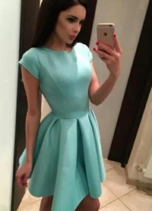 Распродажа!пышное платье из неопрена мятное
