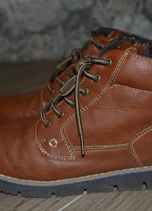 Кожанные ботинки ф. tu стелька 23, 5 см в отличном состоянии