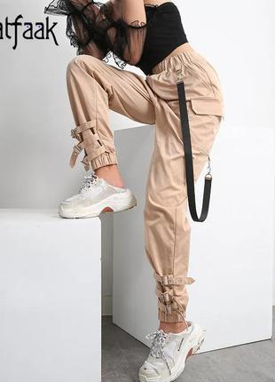 Новые актуальные свободные спортивные/повседневные штаны с декором на резинке