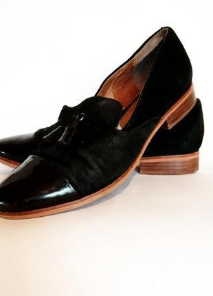 Шикарные кожаные туфли-лоферы на размер 38-39, по стельке 25,5 см.