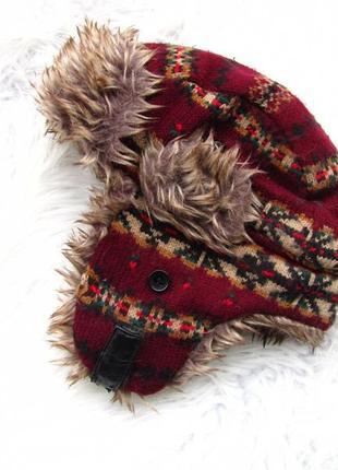 Стильная теплая шапка с ушками