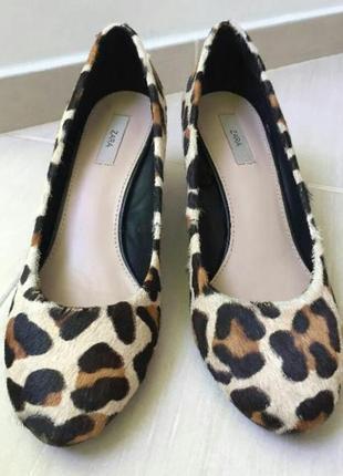 Шикарные туфли на танкетке мех пони