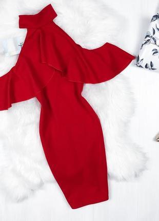 Розкішна червона сукня \ красное платье футляр missguided