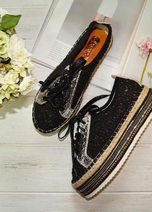 Красивые мокасины, слипоны на шнуровке