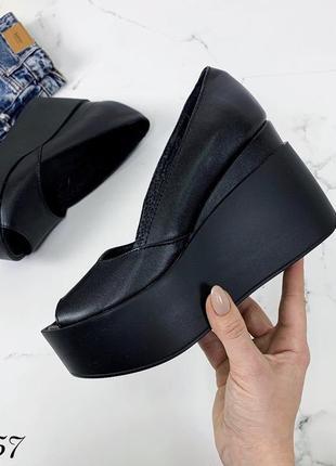 Туфли на платформе из натуральной кожи