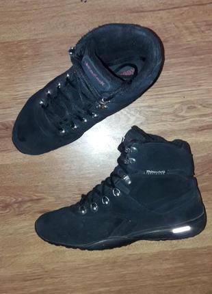 Фирменные замшевые демисезонное ботинки на низком ходу reebok dmx рр 38