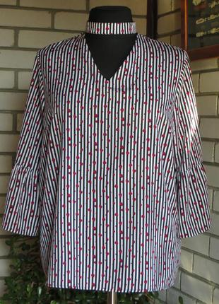 Блуза в сердечки с чокером 18-20 р-ра.