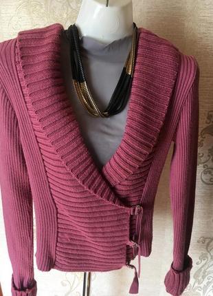 Интересная модель теплого свитера