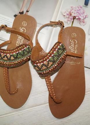 New look. индия. кожа. красивые босоножки, сандалии с отделкой из бисера3 фото