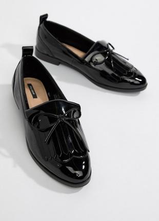 Шикарные лаковые туфли лоферы