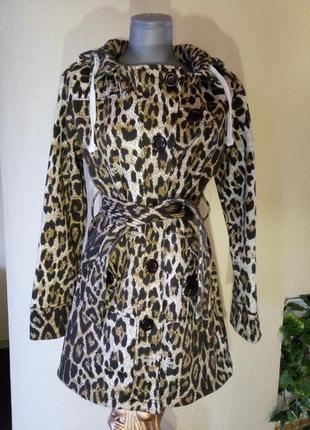 Трикотажное пальто на флисе,актуальная расцветка леопард, m