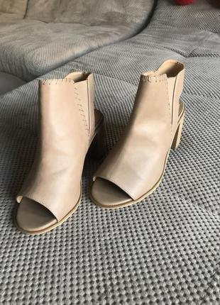Прожам шикарные женские туфли fiore widefit без носка 38 {23.5 см}