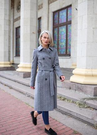 Осеннее серое пальто украинского производителя vivalon