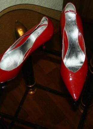 Туфли hogl лодочки красная лаковая кожа, классика в чистом виде, модель rosso