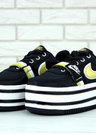 Женские черные кроссовки nike vandal 2k с высокой подошвой