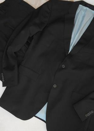 Мужской костюм темно-синий , как новый 54 размер roy robson