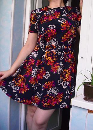 Красивое летнее платье от atm, цветочный принт, с коротким рукавом