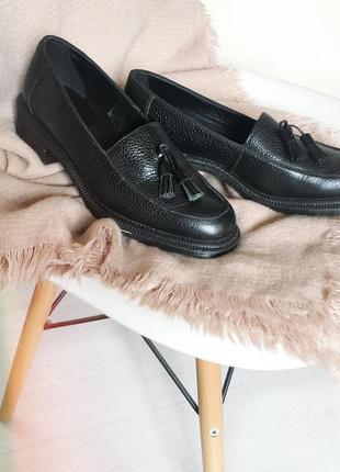 Новые туфли от dr martens
