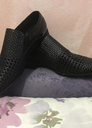 Новые, кожаные туфли (лето)