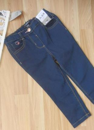 Новые фирменные джинсы denim co малышке 2-3 года .