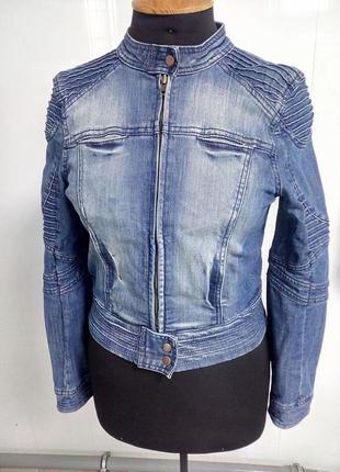 Джинсовая куртка бомбер  с эффектом поношенности