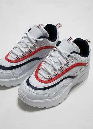 Распродажа! женские белые кроссовки (крипперы) с синей и красной полоской