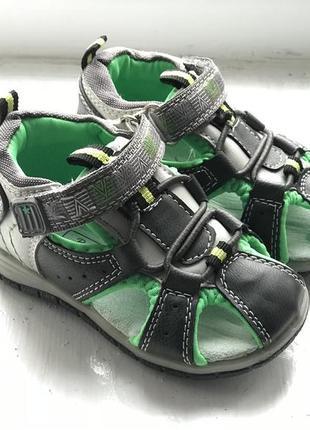 Bobbi shoes 20р детские боссоножки новые
