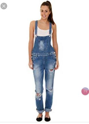 Бомбезный рваный джинсовый комбинезон