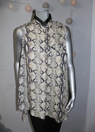 Блуза в змеиный принт