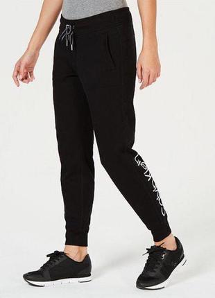 Крутые чёрные утеплённые спортивные штаны calvin klein оригинал