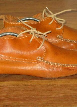 Стильные кожаные туфли-мокасины