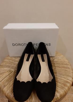Новые замшевые туфли dorothy perkins раз.40(26.5)