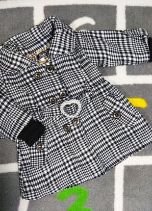 Детское пальто  в клетку на 1 год