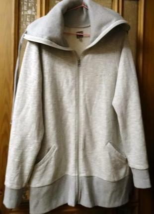 Спортивная курточка  модного серого цвета с искоркой
