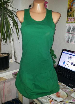 Зеленое платье/сарафан с юбкой воланом цвета сочной травы с/м