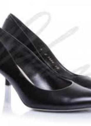 Элегантные туфли лодочки на шпильке черные экокожа 38 размер george