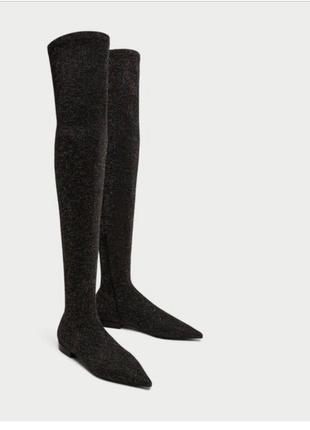 Очень стильные  ботфорты zara, на устойчивом каблуке