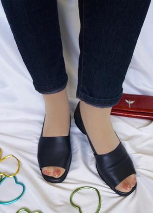 Clarks кожаные туфли с открытым носком на узкую ножку
