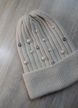 Трендова шапка з бусинками на 46-59 об'єм голови