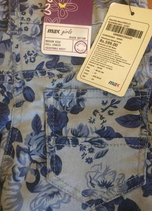 Классные каттоновые джинсы штаны в принт цветы для малышка max 2-3 года.4