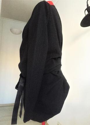 Полу-шерстяной эксклюзивный жакет блайзер на запах с драпировками на м8