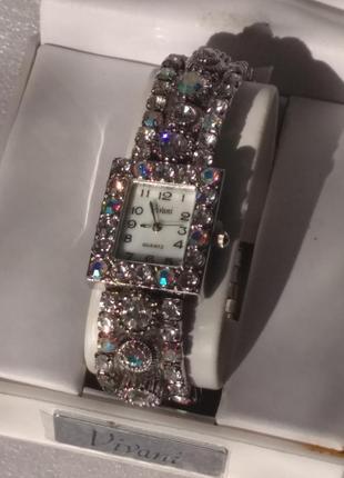 Vivani часы ,винтаж,кристаллы сваровски.