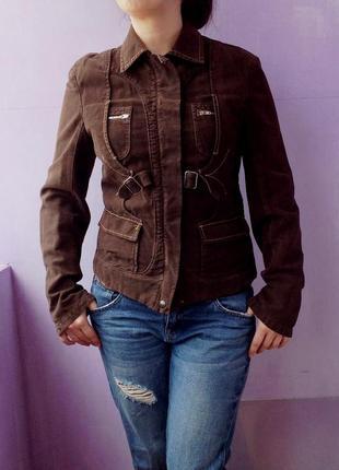 Куртка пиджак очень дорой фирмы  sportmaks  code  40  размера